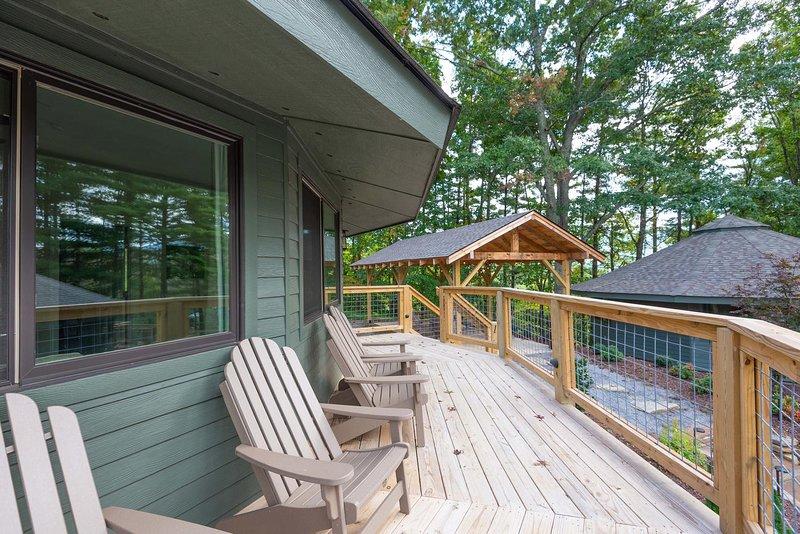 Springdale Treehouse # 4, casa vacanza a Canton