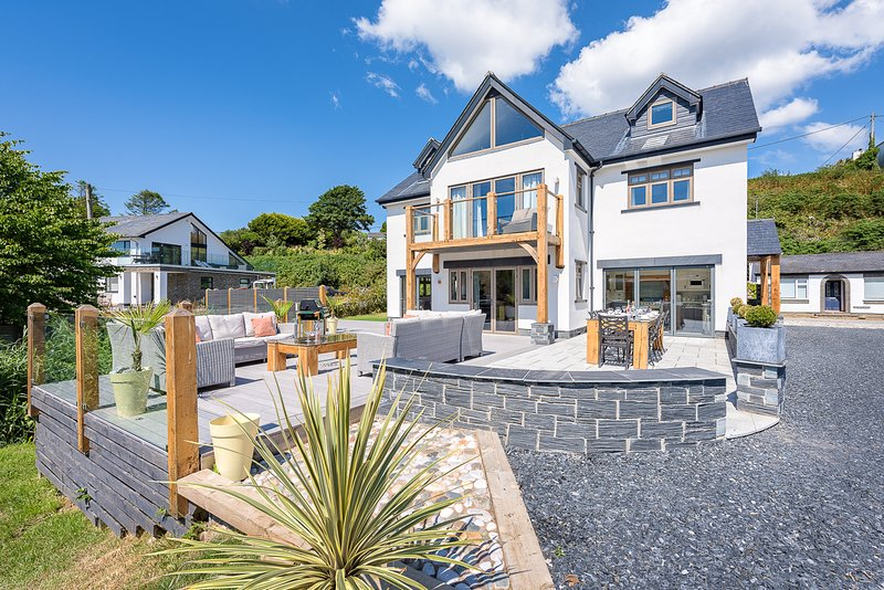 Abersoch Villa Sleeps 14 - 5816232, holiday rental in Abersoch
