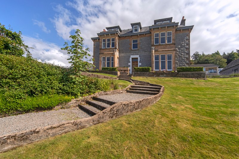 Oban Chateau Sleeps 22 - 5815446, vacation rental in Isle of Lismore