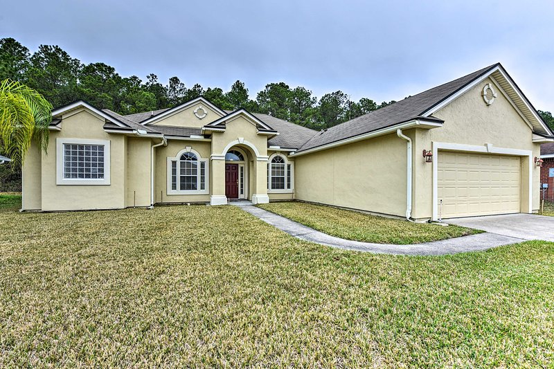 Large Jacksonville Home w/Patio, 12 Mi to Downtown, holiday rental in Middleburg