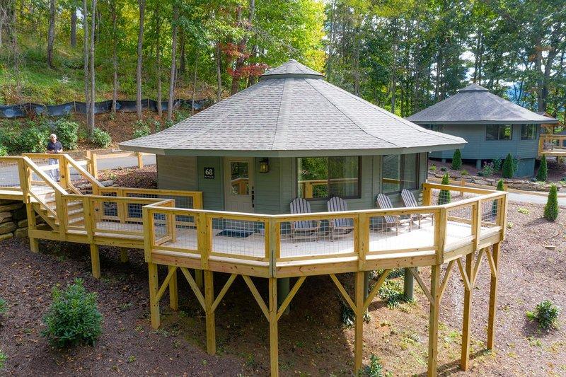 Springdale Treehouse Lodging 6, casa vacanza a Canton