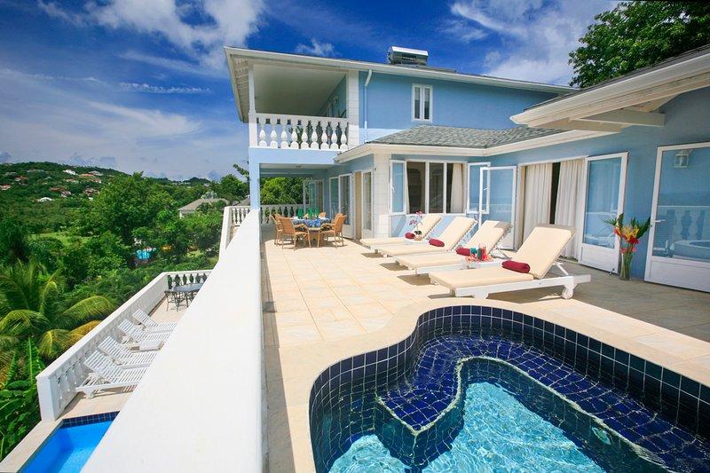 Cap Estate Villa Sleeps 8 with Pool and Air Con - 5700715, aluguéis de temporada em Cas En Bas