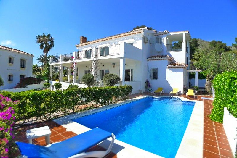 R826 | Villa Gito, holiday rental in Maro