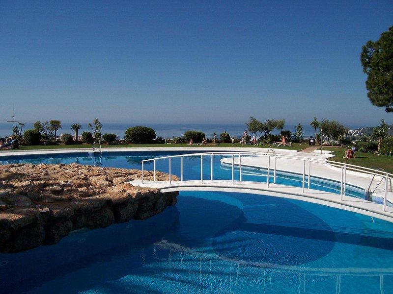 R864 | Villa Hibiscos, holiday rental in Nerja