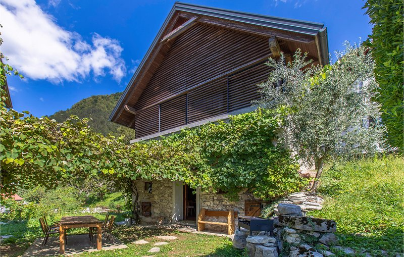 Beautiful home in Tolmin with Jacuzzi, WiFi and 1 Bedrooms (SER015), holiday rental in Tolmin