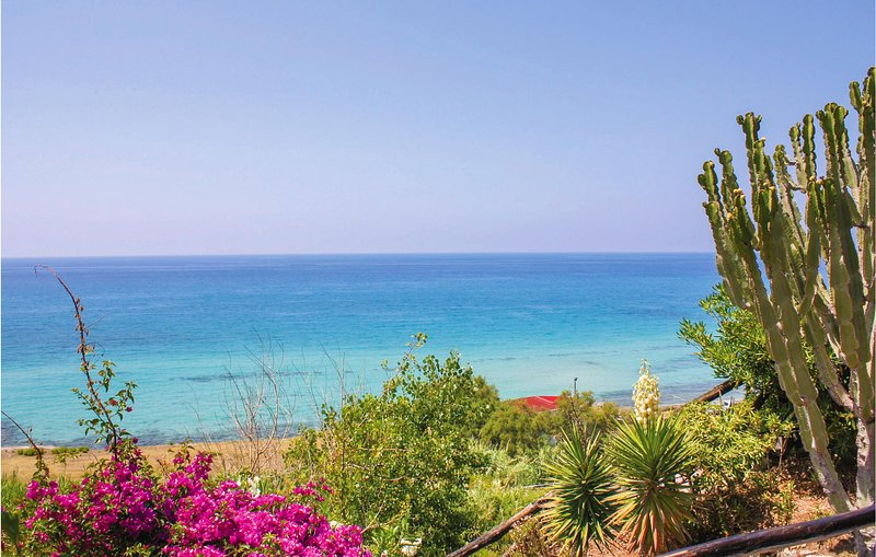 Nice apartment in Sellia Marina with WiFi and 2 Bedrooms (IKK598), holiday rental in Cropani