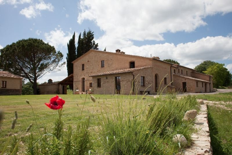 Buonconvento Villa Sleeps 12 with Pool Air Con and WiFi - 5399075, holiday rental in Bollano