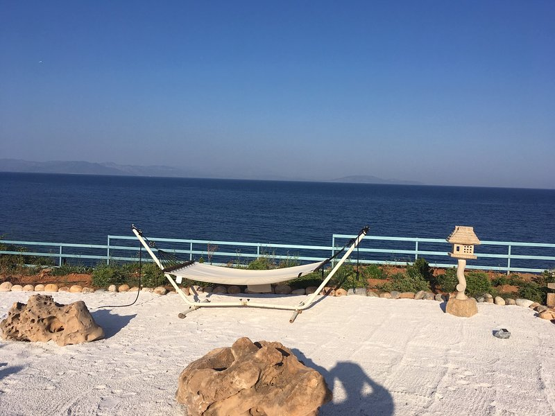 Relax abd meditate by the sea