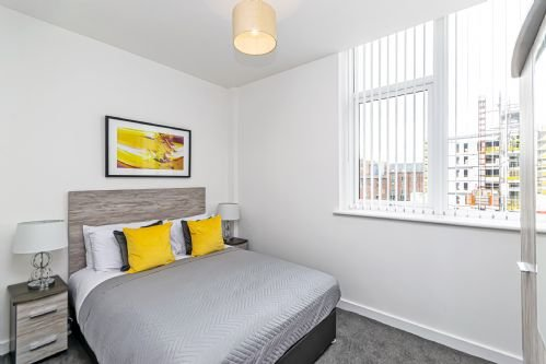 Residential Estates - One bed Apartment City Suites sleeps 4, location de vacances à Bridge Trafford