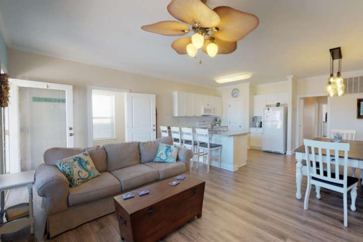 With over 2,000 square feet and 2 living areas, A Kure For the Sol has plenty of room for the entire group