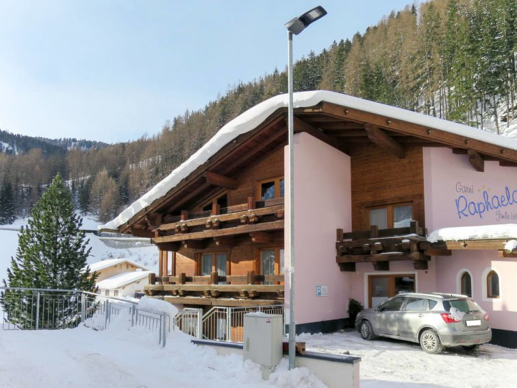 Pitze Apartment Sleeps 12 with Free WiFi - 5783358, holiday rental in Solden
