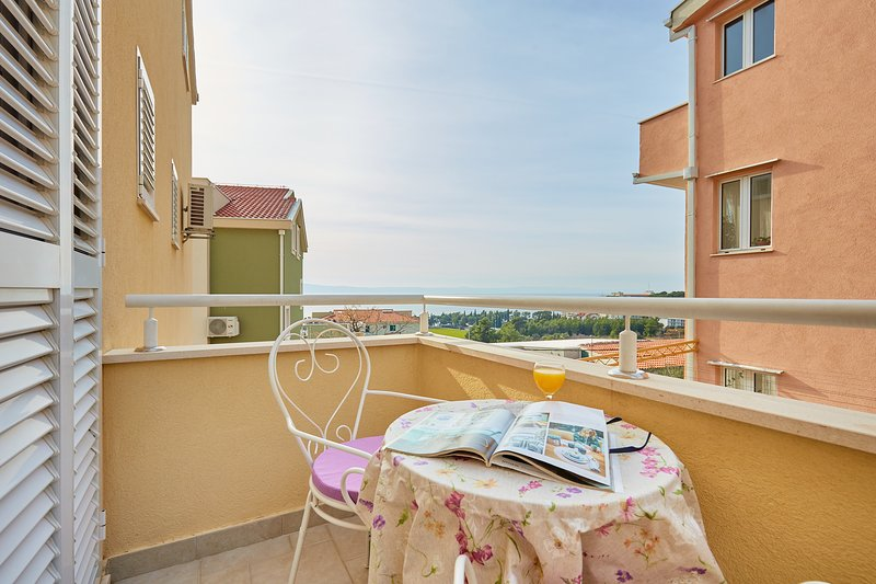 Apartments Zelic Tucepi  S3, location de vacances à Marasi