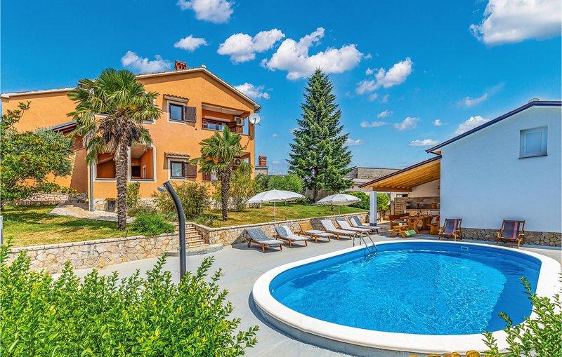 Nice home in Koromani with 3 Bedrooms (CIL249), location de vacances à Prhati