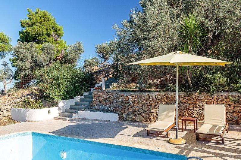 Skopelos Villa Sleeps 2 with Pool and Air Con - 5827843, holiday rental in Stafylos