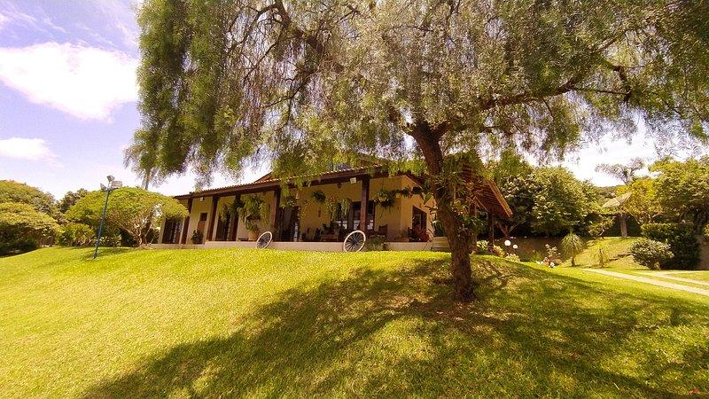 A Chácara - Natureza, Conforto e Lazer !, location de vacances à Atibaia