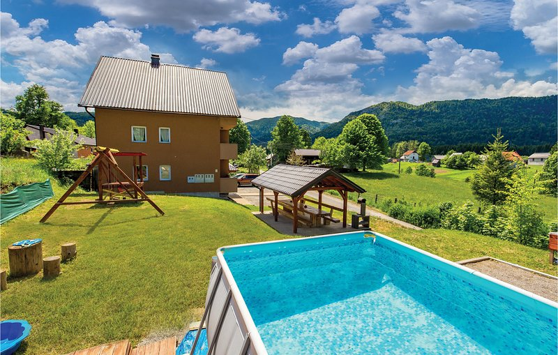 Beautiful home in Ogulin with WiFi and 2 Bedrooms (CCC020), vacation rental in Ogulin