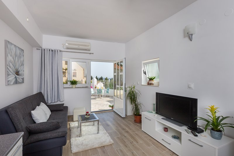 Apartments Blažević - One Bedroom Apartment with Terrace and City View, holiday rental in Mlini