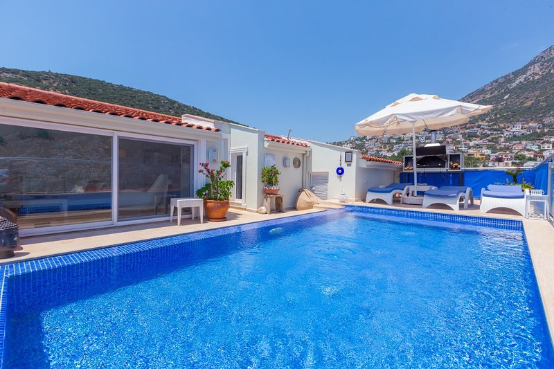 Yasameen Penthouse Apartment, holiday rental in Kalkan