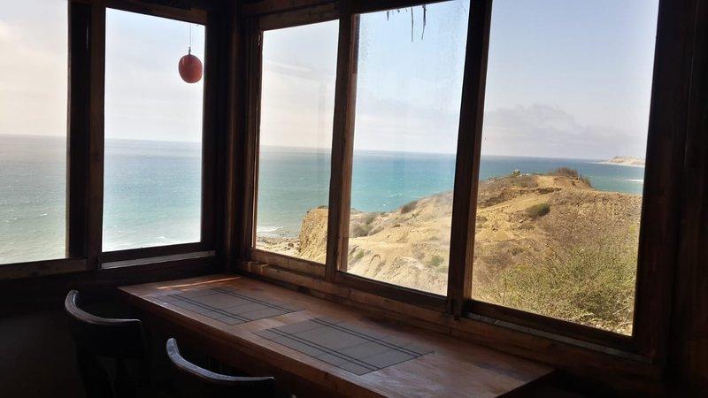 Acogedora Casita frente al mar, holiday rental in Manta