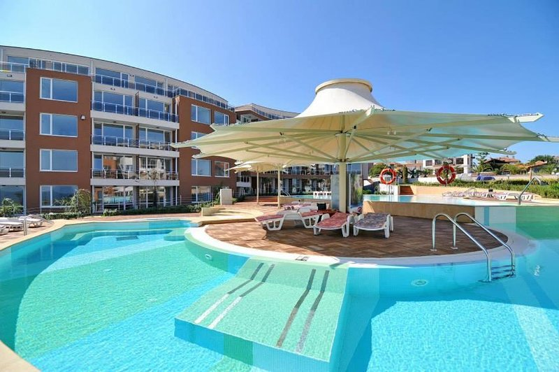 Sunny apartment in Burgas, holiday rental in Chernomorets