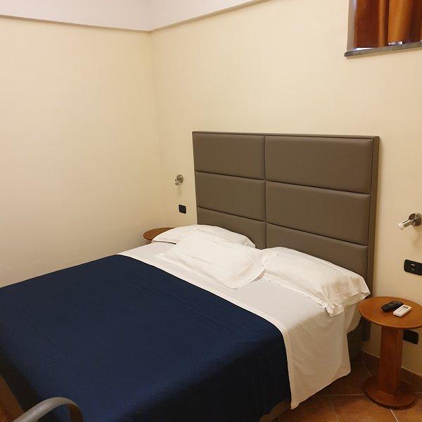 Residence L Incanto Sorrento Appartamento con 1 camera da letto fino a 4 persone, holiday rental in Piano di Sorrento