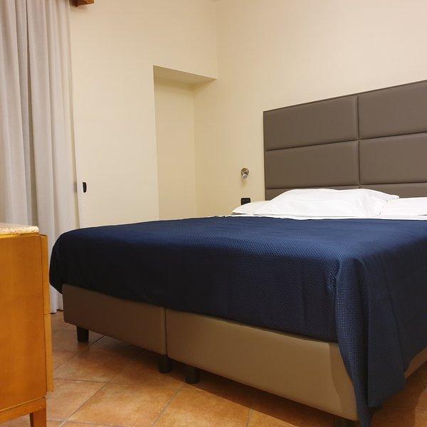 Residence L Incanto Sorrento Appartamento con 2 camere da letto fino a 6 persone, holiday rental in Piano di Sorrento