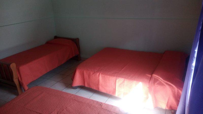 Departamento familiar o para grupo de amigo hasta 4 personas, holiday rental in Province of Santa Cruz