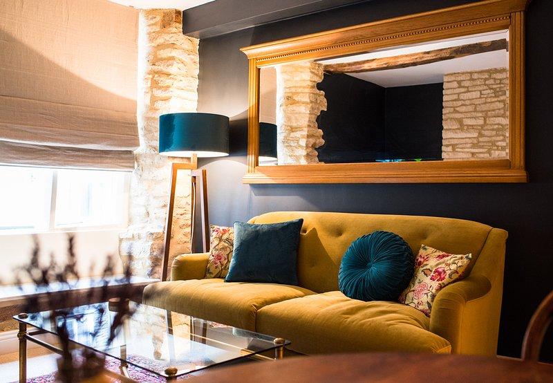 Cirencester Villa Sleeps 3 - 5674812, vacation rental in Ampney Crucis