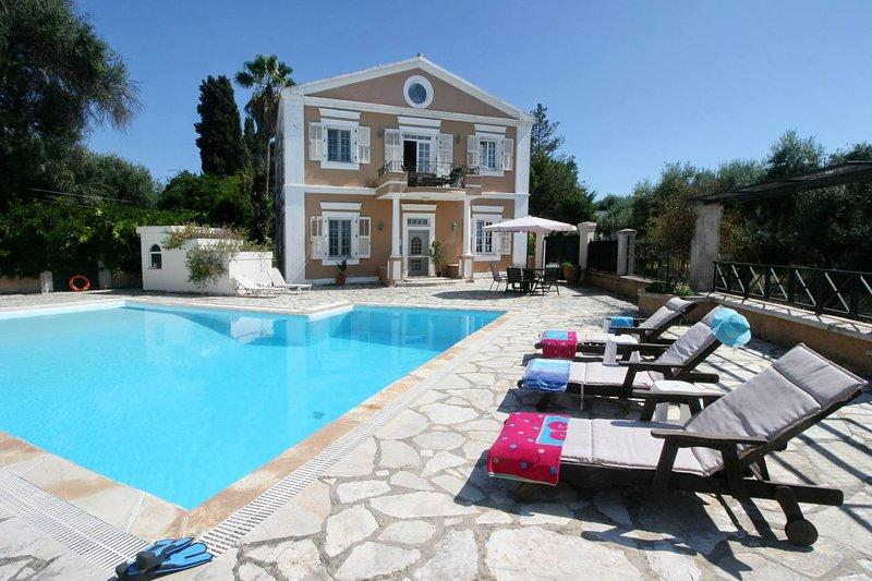 Corfu Durrell Strawberry-Pink Villa, vacation rental in Perama