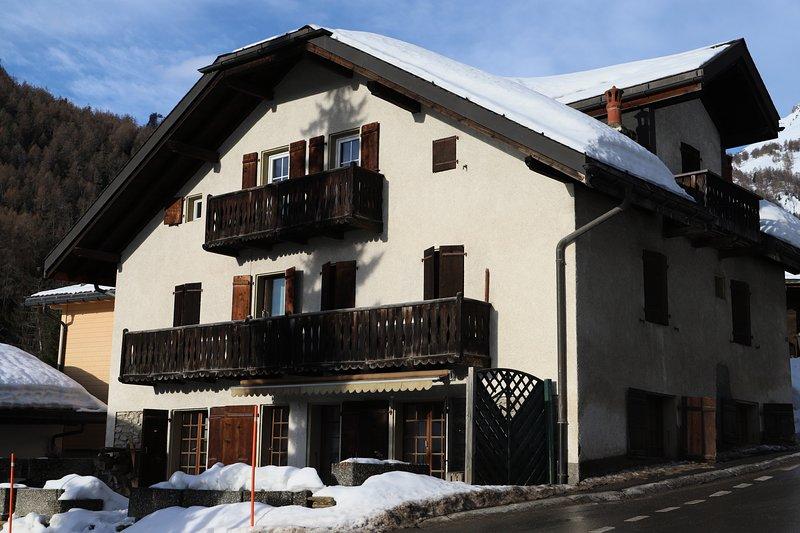 Aux Petits bonheurs de mon enfance - Ovronnaz - Magic Pass, holiday rental in Ovronnaz