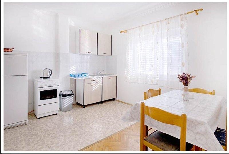 Holiday home 193432 - Holiday apartment 233578, aluguéis de temporada em Metajna
