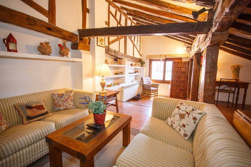 El Bulín de Pedraza - Casa del Serrador, holiday rental in Castroserna de Abajo