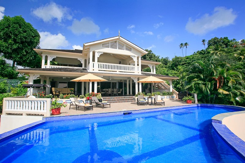 Marigot Bay Villa Sleeps 10 with Pool and Air Con - 5217745, aluguéis de temporada em Marigot Bay