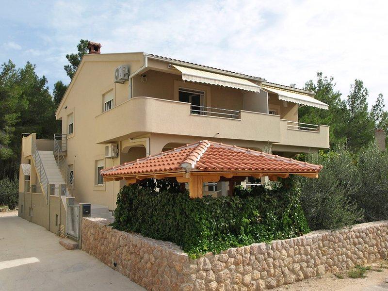Ivona, holiday rental in Gornji Karin