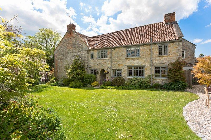 Stawell Villa Sleeps 10 - 5694654, holiday rental in Othery