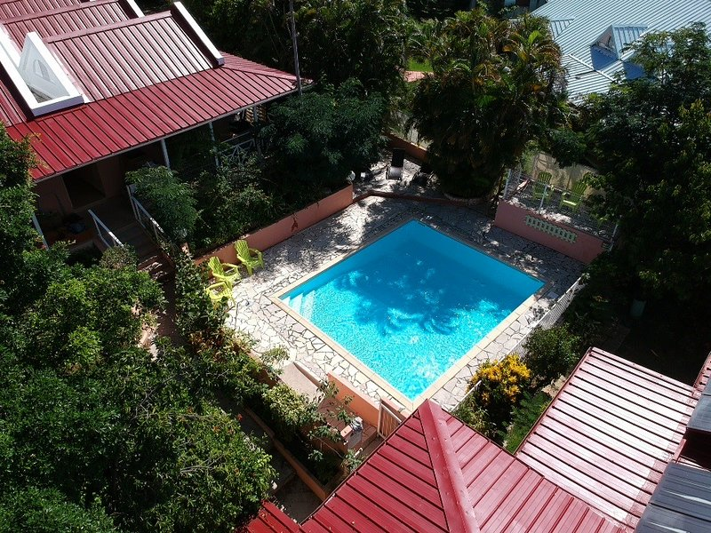 TK01 - Appartement 2/4 personnes, terrasse privative, résidence avec piscine, holiday rental in Sainte-Anne