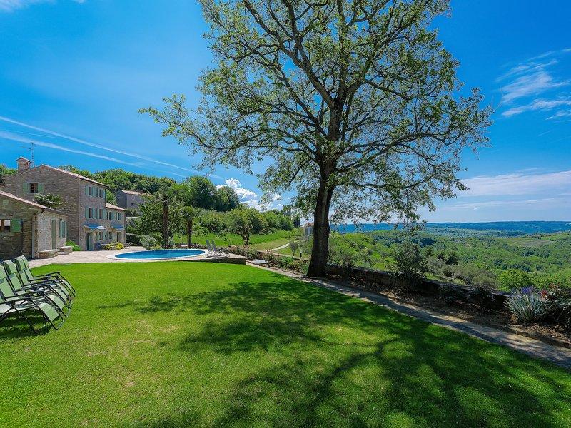 Villa Plac, holiday rental in Peroj