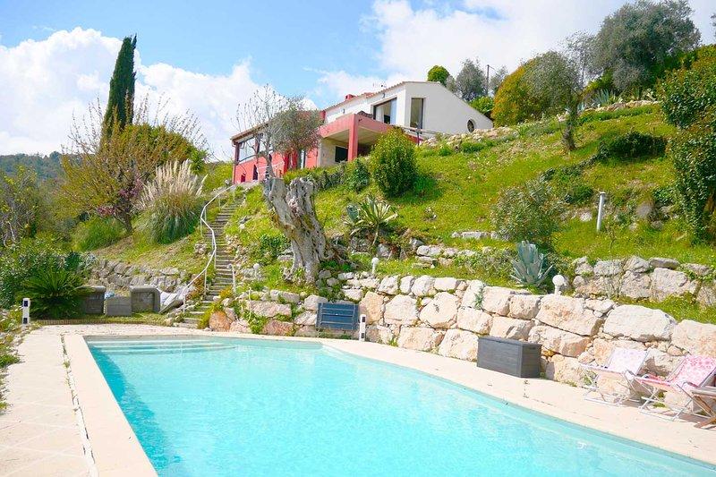 Appart dans Villa avec Terrasse Privée & Piscine, location de vacances à Gilette