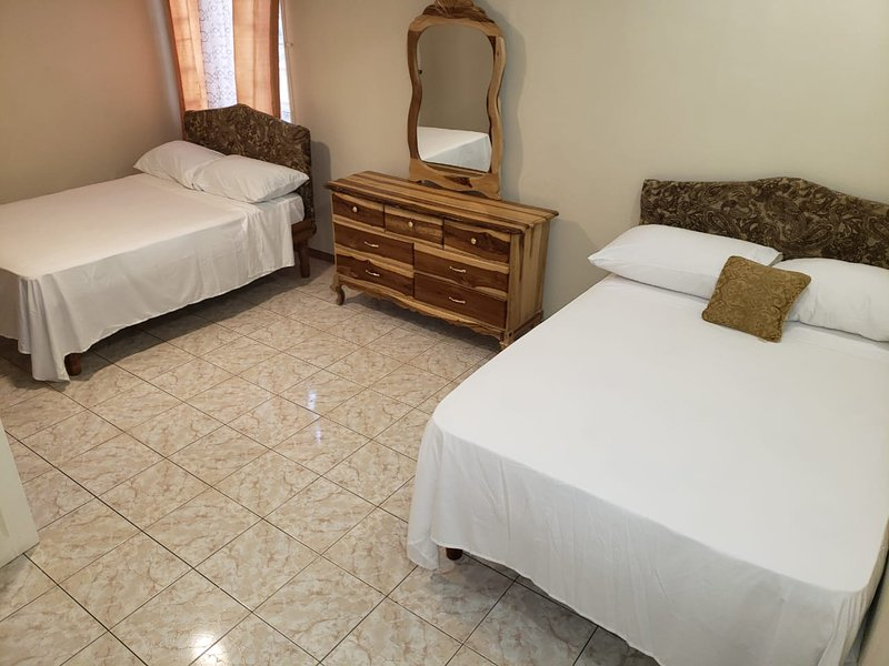 C&R Five Star Palace, holiday rental in Saint Andrew Parish