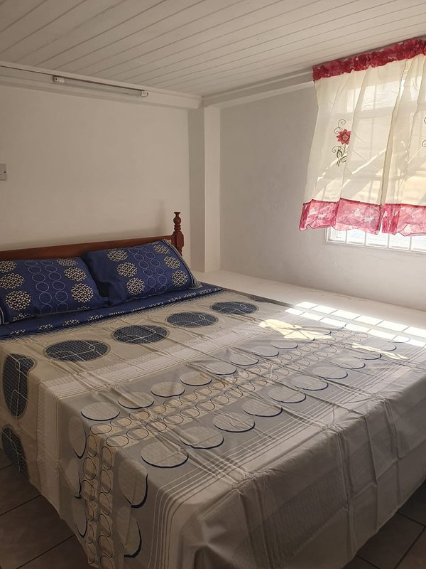 Newly reburished apartment local to all emenities, vacation rental in True Blue
