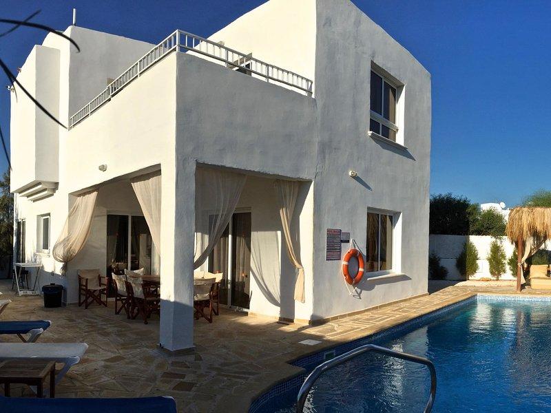 Thalassines Beach Villas, holiday rental in Liopetri