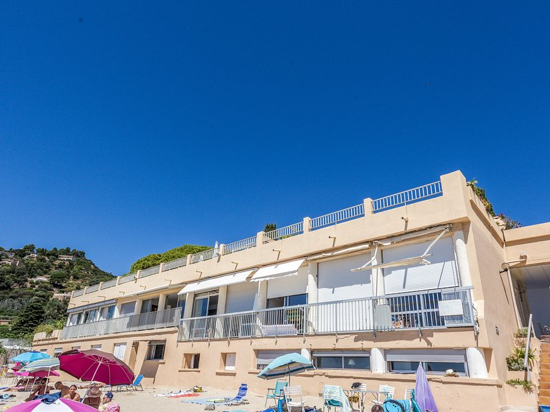 Les Sables d'Aiguebelle, holiday rental in Cavaliere