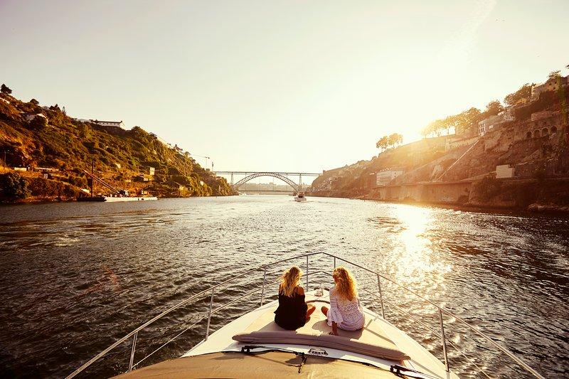 Douro Privat Yacht - Porto, holiday rental in Avintes