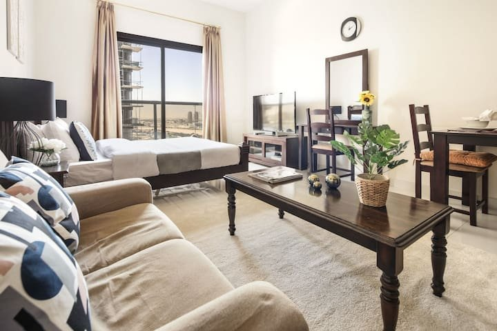 Serene Studio in Sports City!, holiday rental in Jebel Ali