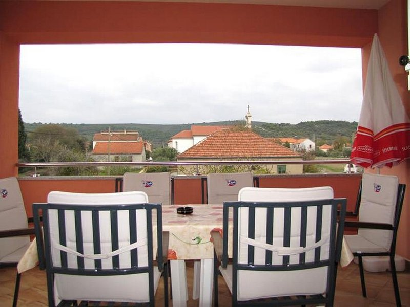Nevidane Apartment Sleeps 6 with Pool and Air Con - 5828314, holiday rental in Nevidane