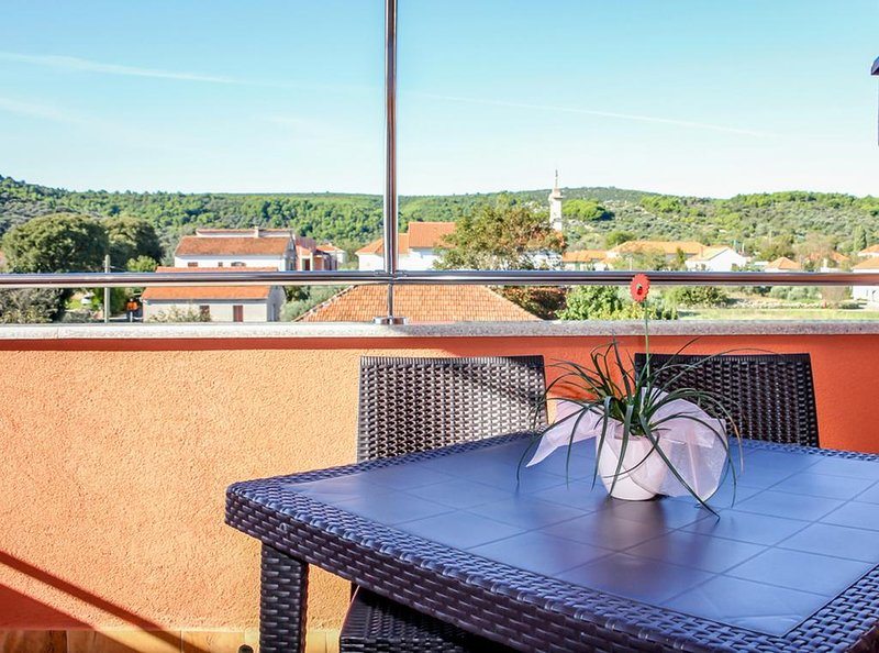 Nevidane Apartment Sleeps 3 with Pool and Air Con - 5828315, holiday rental in Nevidane