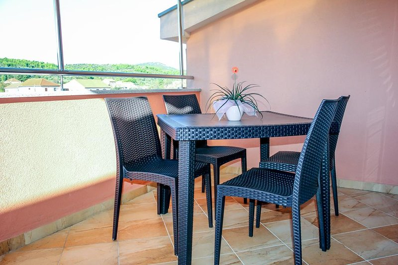 Nevidane Apartment Sleeps 3 with Pool and Air Con - 5828317, holiday rental in Nevidane