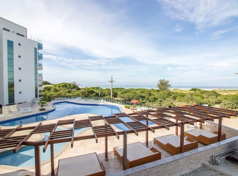 Apartmento de luxo com 3 camas, Arraial do Cabo, vacation rental in Arraial do Cabo