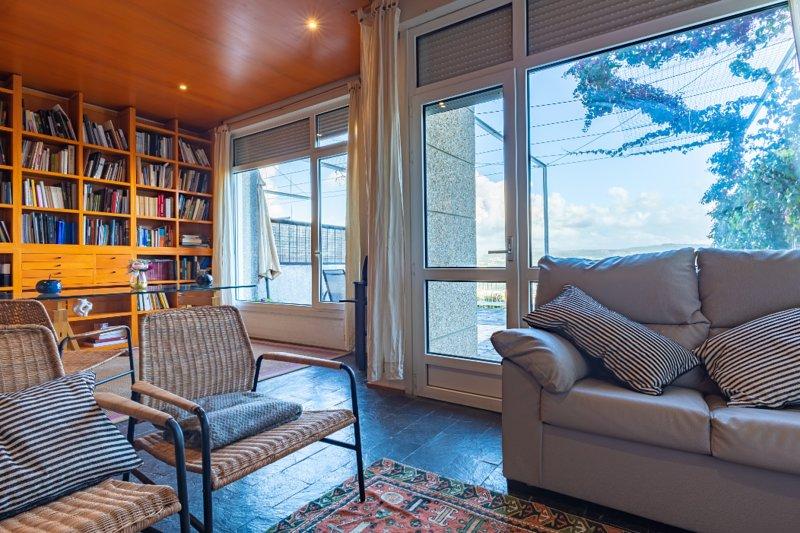 Adosado privado , mucho espacio , vistas privilegiadas, gran confort., vakantiewoning in Combarro