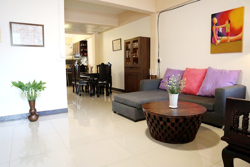 Family Townhome in City Center, holiday rental in San Phranet